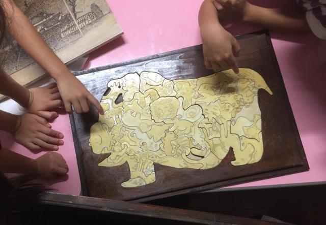 自治会の方に木製手作りパズルをいただきました!!